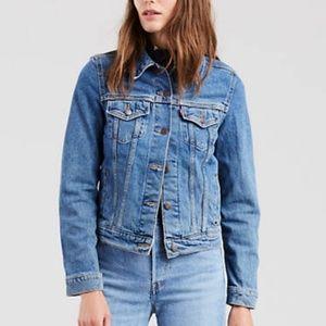 Levi's classic vintage denim jean jacket, size M